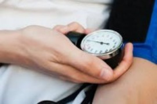 Mindenképpen ellenőriztesse vérnyomását, mielőtt nyaralni indul!